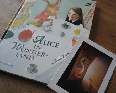 Boek_alice_in_wonderland_1