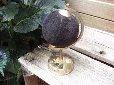 Globe_speldenkussen_1